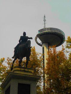 Madrid. Estatua y Faro de Moncloa