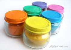 A recipe for air-dry colorful clay, made from ingredients found in the kitchen.