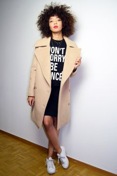 #mercredie #blog #mode #fashion #blogger #curly #hair #natural #afro #curls #nappy #4c #mixed #girl #beyonce #dont #worry #be #yonce #szeatshirt #black #stan #smith #stansmith #white #adidas #pencil #skirt #redlips #red #lips #lipstick #stella #mccartney #coat #manteau #beige #camel #oversized #fiamma