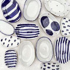 Bridget Bodenham ceramics blue and white ceramics Pottery Plates, Ceramic Pottery, Thrown Pottery, Slab Pottery, Ceramic Clay, Ceramic Plates, Keramik Design, Deco Originale, Pottery Painting
