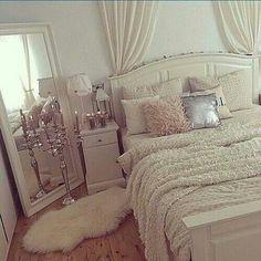 Habitación blanca Gran espejo Decoración #lujo