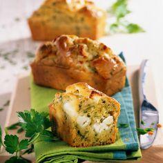 Découvrez la recette Mini-cakes aux courgettes et à la feta sur cuisineactuelle.fr.