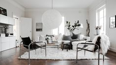 36 Ways to Decorate Your Living Room Like a CompleteMinimalist | StyleCaster