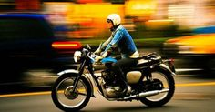 19 Examples of Panning Photography – 'Feel The Speed of Motion' Movement Photography, Art Photography Portrait, Photography Classes, Panning Photography, Panning Shot, 30 Days Photo Challenge, Brush Pen Art, Time Pictures, Old Motorcycles