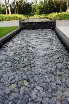 moderne tuin, strakke tuin, strakke vijver, waterpartij