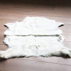 Geitenhuid wit 70 x 100 cm.