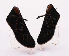 Sepatu boot keren stylish. Model tali pinggir. Warna hitam. Bahan kulit sintetis suede (SKU: DEBSBA) - Rp. 110.000 - Gaun Tas: Tas Wanita Impor