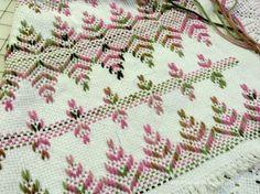Joy's Jots, Shots & Whatnots: Swedish Weaving & Huck Embroidery