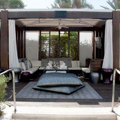 Fontainebleau : Pools, Cabanas, Beach