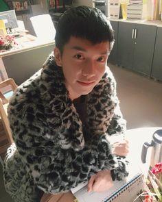 """Hwayugi"" Lee Seung-gi Works Hard"