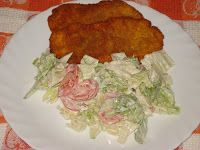 Süssünk, főzzünk valamit!: Saláta kapros-joghurtos öntettel Bacon, Chicken, Food, Red Peppers, Essen, Meals, Yemek, Pork Belly, Eten