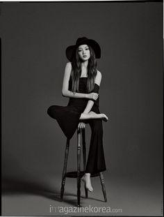 Lee Seong Kyeong for Harper's Bazaar Korea Feb 2016 Studio Photography Poses, Studio Portraits, Korean Actresses, Korean Actors, Weightlifting Fairy Kim Bok Joo, Shooting Photo, Foto Pose, Fashion Poses, Korean Celebrities