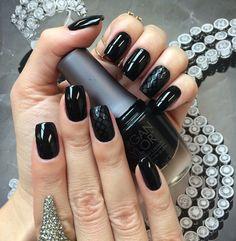 Esmalte da Semana: Little Black dress
