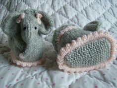 Ravelry: Baby Elephant Bootee Slipper Pets by Abigail Originals Loom Knitting, Baby Knitting, Knitting Patterns, Knitting Hats, Little Elephant, Baby Elephant, Knitted Gloves, Knitted Bags, Loom Hats