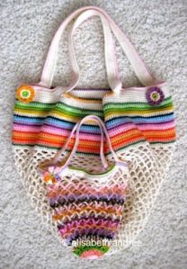 Lovely bag for the summer, especially farmer's marketing ... wish I knew how to crochet!