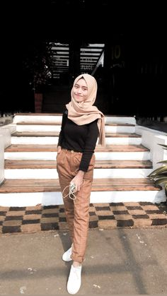 Hijab Casual, Modest Fashion Hijab, Modern Hijab Fashion, Street Hijab Fashion, Hijab Fashion Inspiration, Muslim Fashion, Korean Fashion, Hijab Chic, Fashion Outfits