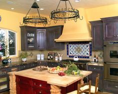 Spanish Kitchen Design, Pictures, Remodel, Decor and Ideas. Could go alongside kitchen sink Beautiful Kitchen Designs, Mediterranean Kitchen, Spanish Style Kitchen, Mediterranean Kitchen Design, Mediterranean Kitchen Decor, Kitchen Colors, Italian Kitchen Design, Kitchen Island Design, Spanish Kitchen