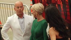 Nobody can photobomb quite like Bruce Willis #RED2