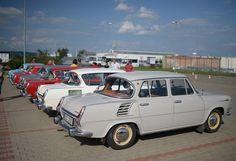 Kudy z nudy - Slet eMBeiXu 2014 - Škodovky v Mladé Boleslavi Funny Cars, Car Humor, Techno, History, Classic, Vehicles, Motor Car, Antique Cars, Rolling Stock