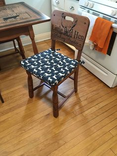 Refinished Kitchen Table & Chairs With Beautiful Stenciling