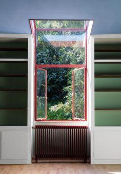 Farver og former i Poul Henningsens hus Interior Windows, Interior And Exterior, Vintage Interiors, Colorful Interiors, Architecture Details, Interior Architecture, Design Jobs, Bauhaus, Porch Windows