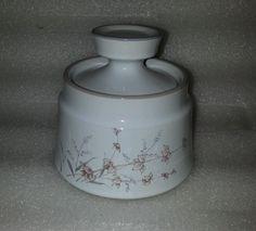 Noritake Stoneware Sugar Bowl & Lid Woodstock pattern