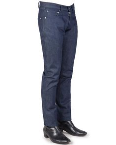 BILLY // INDIGO 17:  100% Cotton Denim jeans with a a low waist, roomy seat and thigh. The Billy has a tapered leg and just a hint of stretch built in. The high-quality raw denim, dyed-to-match stitching and chrome plated rivets give these jeans durability and a sleek look.