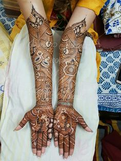 Pinterest: ThePrettiestSoul Latest Bridal Mehndi Designs, Dulhan Mehndi Designs, Wedding Mehndi Designs, Best Mehndi Designs, Stylish Mehndi Designs, Mehndi Design Pictures, Mehndi Images, Beautiful Henna Designs, Beautiful Mehndi