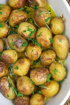 Oven Roasted Baby Potatoes - The Suburban Soapbox Oven Roasted Baby Potatoes, Potatoes In Oven, Golden Potato Recipes, Baby Potato Recipes, Honey Gold Potatoes Recipe, Easy Oven Baked Chicken, Side Dishes, Potato Dishes