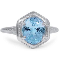 A breathtaking oval topaz in a light blue hue ==