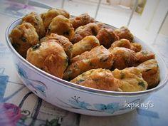 soğanlı pişi Potato Salad, Fries, Potatoes, Meat, Chicken, Ethnic Recipes, Pizza, Food, Potato