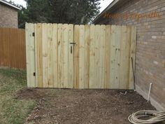 How to replace and build a fence. How to easily build a gate. houseofhepworths.com