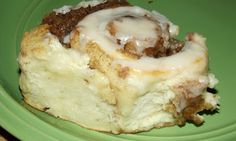 Quick and Easy Homemade Cinnamon Rolls with No Yeast! Quick and Easy Homemade Cinnamon Rolls with No Yeast! Cinnamon Rolls Without Yeast, School Lunch Recipes, School Lunches, Cafeteria Food, Relleno, Breakfast Recipes, Breakfast Ideas, Brunch Ideas, Breakfast Casserole
