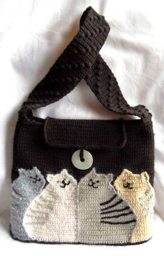 cat bag - free crochet pattern - use google translate (and the diagrams) by hellokittytwo