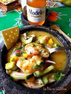 Aguachile de Camaron Con Mango(Spicy Shrimp with Mango) - La Piña en la Cocina Shrimp Dishes, Fish Dishes, Mexican Dishes, Shrimp Recipes, Fish Recipes, Mexican Food Recipes, New Recipes, Cooking Recipes, Favorite Recipes