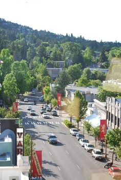 Ashland, Oregon USA Lived here for two years - beautiful place, awesome Shakespeare festival!  #oregon #usa