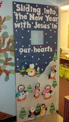 Sunday School Bulletin Board Ideas new year Religious Bulletin Boards, Door Bulletin Boards, Christian Bulletin Boards, Winter Bulletin Boards, Preschool Bulletin Boards, January Bulletin Board Ideas, Preschool Decor, Bullentin Boards, Preschool Winter
