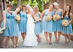 bride and bridesmaids poses