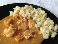 Good recipe for Sunday lunch. It is with using yogurt instead of whipping cream. Tastes the same. Czech Recipes, Ethnic Recipes, Hungarian Cuisine, Chicken Milk, Boiled Chicken, Sunday Recipes, No Cook Meals, Bon Appetit, Macaroni And Cheese