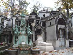 Wednesday at Cimetiere Pere Lachaise | Je T'aime Paris's Weblog