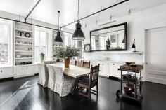 The 'When Harry Met Sally' actress Meg Ryan extensively renovated the unit, which has black lacquered cabinets and a freestanding bathtub.