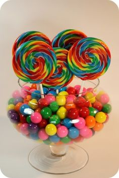gumballs and swirl lollipops. Cute for a candy themed party Lollipop Party, Candy Party, Rainbow Birthday Party, 1st Birthday Parties, 19 Birthday, Birthday Table, Candy Land Birthday, Birthday Ideas, Hippie Birthday