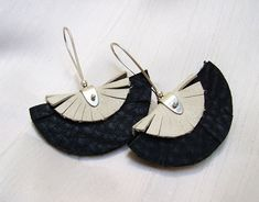 Alejandra Giannoni » Aros con Piedra y con Cuero (Stone and Leather Earrings)