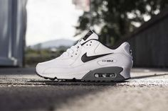Nike Air Max 90 Essential - White/Black-Cool Grey