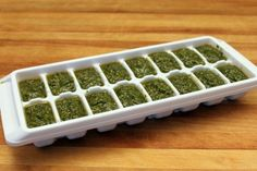 How to freeze pesto: pour in ice cube trays, drizzle a little olive oil on top, tightly top with plastic wrap, flash-freeze, then take out of the tray and into a freezer bag. Pesto Dip, Basil Pesto, Pesto Sauce, How To Make Pesto, Making Pesto, Freezing Basil, A Food, Food And Drink, Healthy Snacks