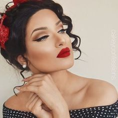 coole Vintage Hochzeit Make-up 13 besten Fotos – Hochzeit Make-up - Wedding Makeup For Fair Skin Pin Up Makeup, Red Lip Makeup, Eye Makeup Tips, Prom Makeup, Makeup Ideas, Bridal Makeup Red Lips, Beauty Makeup, Makeup For Red Dress, Makeup Style
