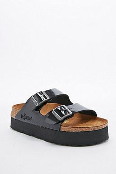 Birkenstock Papillo Arizona Platform Sandals in Patent Black #platformsandals #covetme #birkenstock