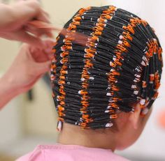 Small rods selected for Tight Curl .probably an Afro Style. Short Permed Hair, Permed Hairstyles, Cool Hairstyles, Curly Hair Styles, Natural Hair Styles, Overnight Hairstyles, Tight Curls, Perm Rods, Hair Setting