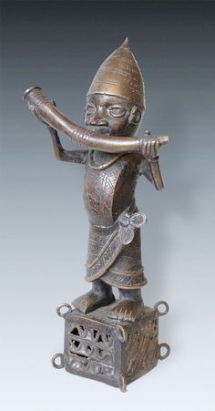 Bronze-Hornblower, Benin, Nigeria Africa Art, Out Of Africa, Art Tribal, African Sculptures, Bronze, African Countries, Queen, My Heritage, S Pic