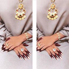 This henna a 100 ain't no 10 lol. this bad asf Wedding Henna Designs, Mehndi Designs Feet, Khafif Mehndi Design, Latest Henna Designs, Finger Henna Designs, Arabic Henna Designs, Indian Mehndi Designs, Mehndi Designs 2018, Stylish Mehndi Designs